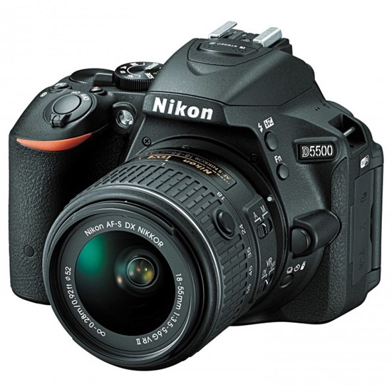 Immagine di Nikon D5500 + Nikkor 18-55 VR +  SD 8 GB 100X