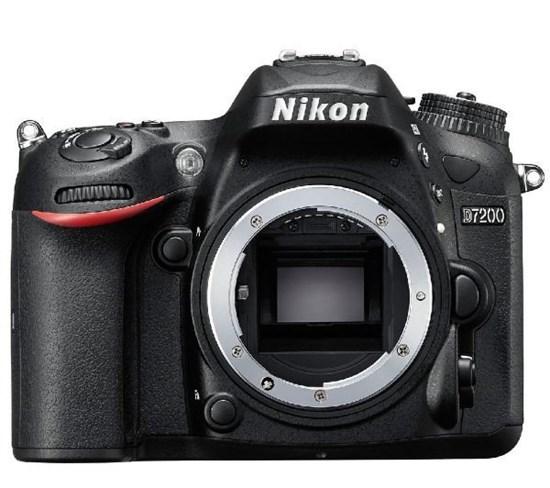Immagine di Nikon D7200 corpo + SD 8GB 200X