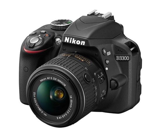Immagine di Nikon D3300 + Nikkor AF-P 18-55 mm f:3.5-5.6G VR + SD 8GB 300X